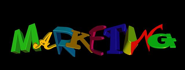 "slovo ""marketing"" různobarevnými písmeny"